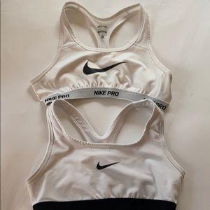 2 Girls Large/Women's Small White NIKE Sports Bras